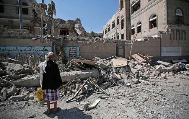 yemen-bombed-buildings-ap-img