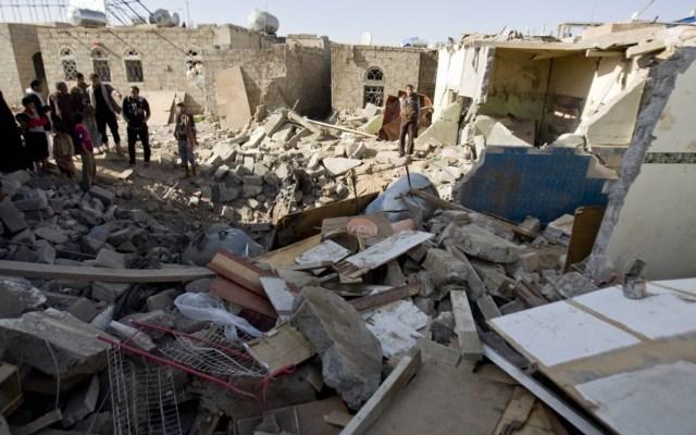 yemen-destroyed-houses-OGB-91690-1220x763